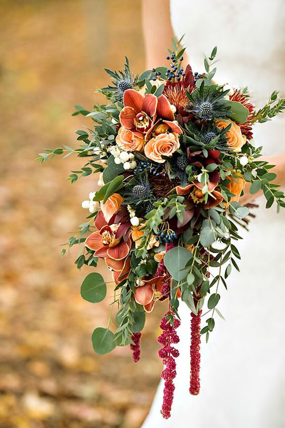 bruidsboeket met orchideeën via swoonedmagazine.com