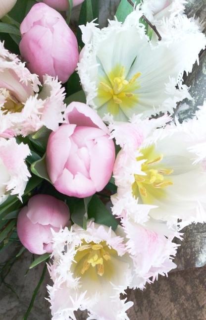 bruidsboeket met roze tulpen