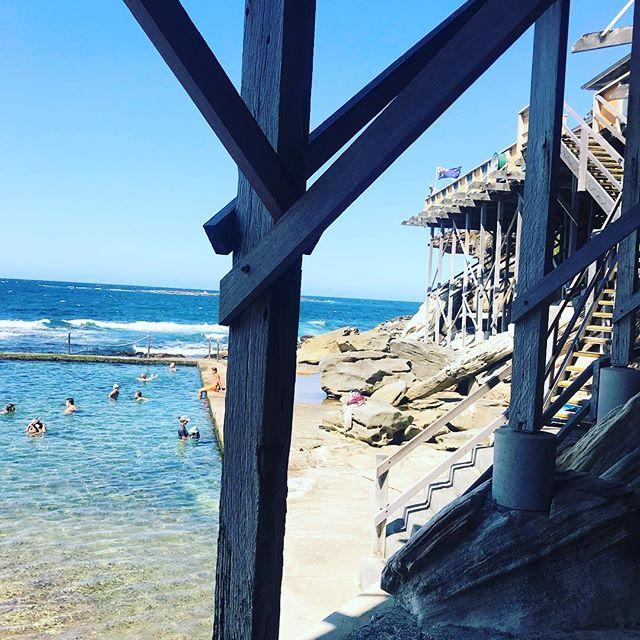 Late summer has some absolutely gorgeous beach days 💙💙💙 #sydneysummer  #wyliesbaths #sobeautiful #summer #salty #sunshine #aussiesummer #ilovesydney #swim #water #dip #beachgirl #gorgeousview