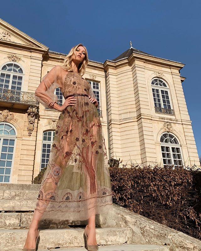6 ft 2 boss lady  @karliekloss 💪🏻💗😜 #keepitklossy