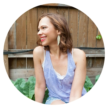 Hi, I'm Julie! I'm a Food Coach who won't tell you to give up the meals you love or to spend hours in the kitchen. Starting out as an overworked solopreneur who suffered with digestive issues for years, I now have 2 goals: To help busy women eat clean, and to guide clients with IBS through the low-FODMAP diet.  Read more...