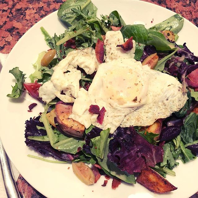 SALAD WITH BACON VINAIGRETTE, ROASTED POTATOES, AND RUNNY EGG 🍳🥓🥗⠀ *⠀ My only regret is that I didn't take a picture of the runny yolk 😉⠀ *⠀ This salad was inspired by the one I had on our trip to France in June. Let me tell you, the French know how to make decadent salads. 💯⠀ *⠀ It's also low-#FODMAP and pretty darn healthy despite the bacon. I included olives and some sliced tomatoes too.⠀ *⠀ There's no recipe, but to make the vinaigrette, use about 1 tbsp of bacon fat, 1 1/2 tbsp extra virgin olive oil, 1 tsp Dijon mustard, and 2 tbsp red wine vinegar to serve 2 people. 💓⠀ *⠀ Ever make a decadent salad? Tell me about it!