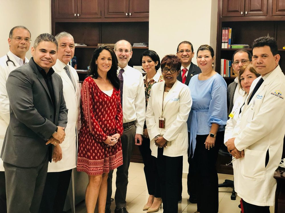 Alfredo Hernandez, Executive Director of Community Empowerment, (second from left), Rush University's Dr. Stephanie Crane (4th from left), and Dr. Richard Abrams (5th from left) attend a medical conference hosted by the Feltrex Foundation in partnership with Rush University and Community Empowerment in Santo Domingo, DR.