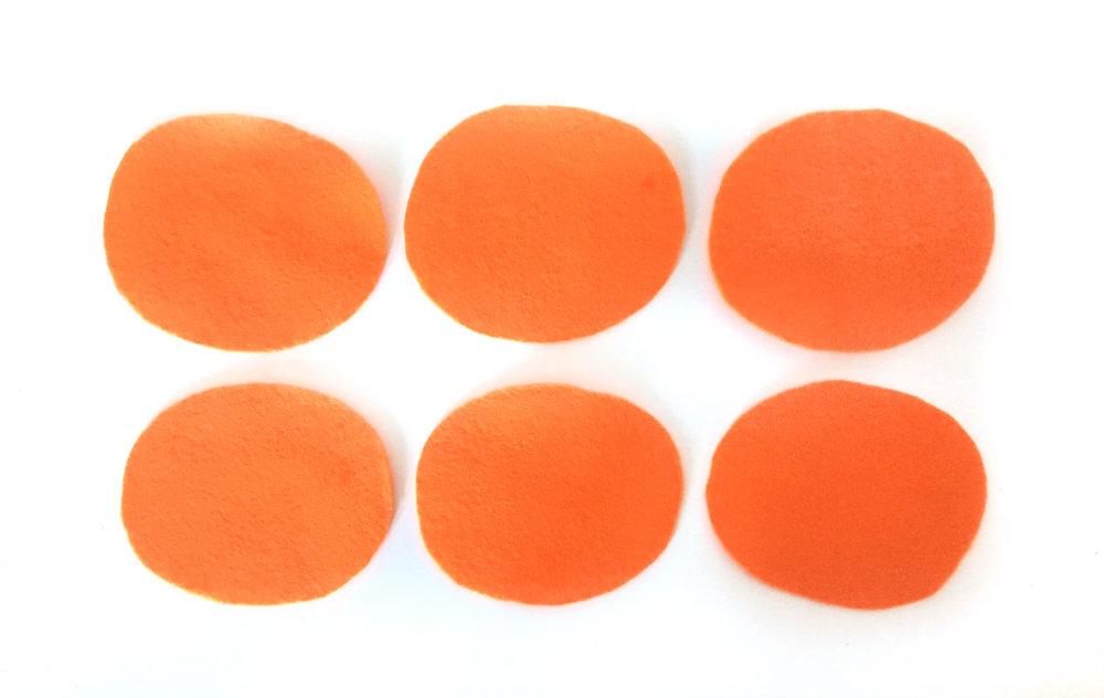 Pumpkin-Pin-Cushion-step-1.jpg