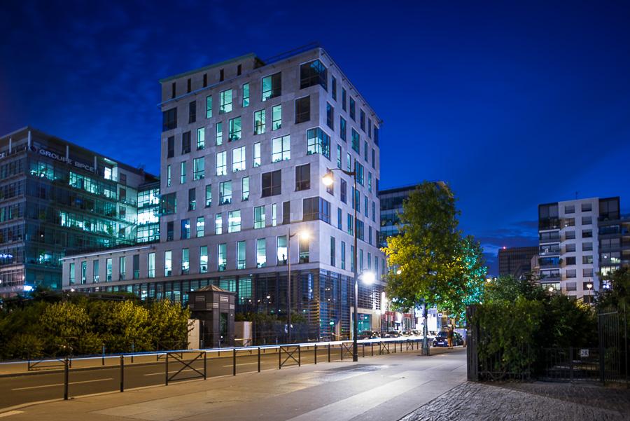 Bureaux photographie achitecture exterieure eclairage nuit Paris