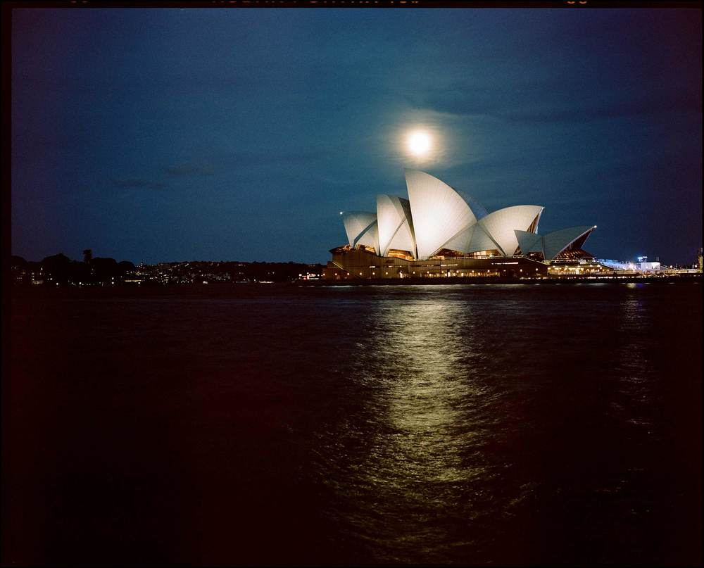 Sydney Opera House / Full moon on a Friday evening / Cliff Englert ©