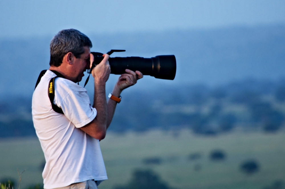 YARON SCHMID  WILDLIFE PHOTOGRAPHER & ANIMAL GUIDE
