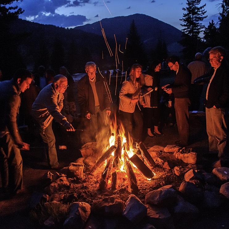 campfire-montana-locals_78178_990x742.jpg