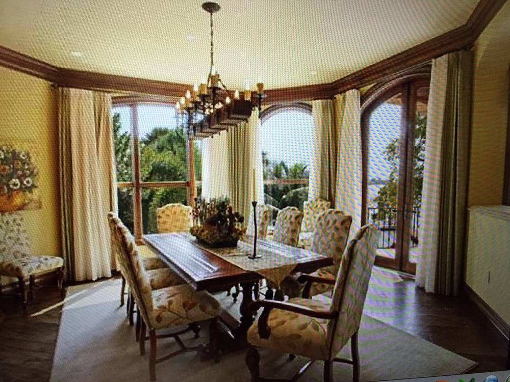 naomi exterior dining room.JPG