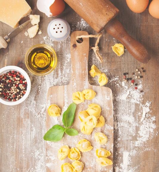 Tortellini | il ripieno - Ingredienti:200 gr di lombo di maiale200 gr di Prosciutto crudo di Parma in fette200 gr di mortadella (buona) affettata70-100 gr di Parmigiano Reggiano grattugiato2 uovanoce moscata grattugiata q.b.