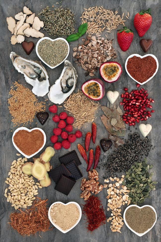 Alimenti afrodisiaci: - - zenzero,- peperoncino,- cacao,- asparagi,- mandorle,- zafferano,- ostriche e molluschi,- tartufo,- caviale,- fico,- anice,- avocado.