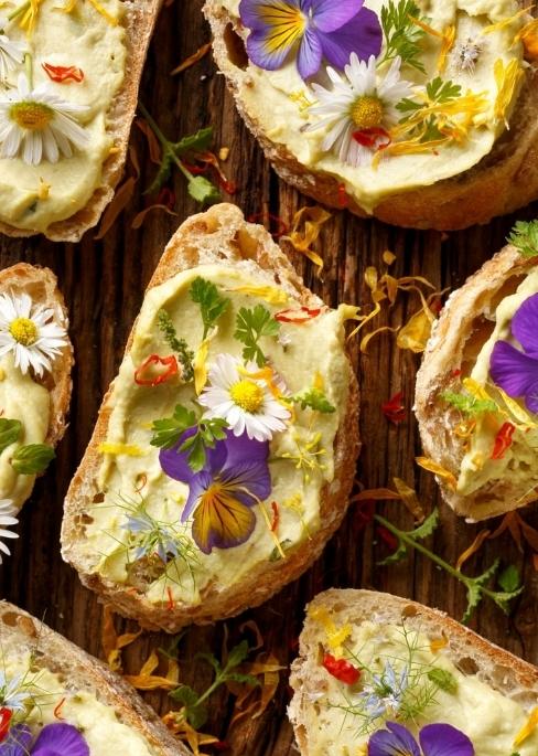 Consigliamo di preparare diversi finger food in anticipo in modo da potervi godere la giornata in libertà. -