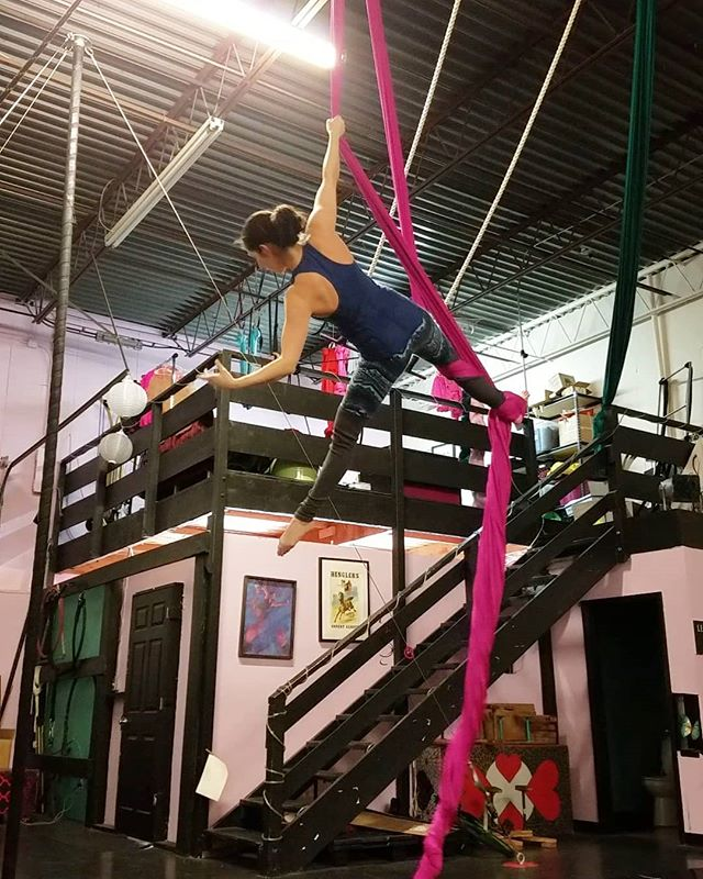 Still getting in the air, just a little less and with a lot less intensity. ❤❤ . . . #aerialnation #aerialist #circuseverydamnday #usaerial #dancer #circusarts #aerialsilks #aerialfabric #aerialistsofinstagram #aerialistsofig #aerialworkout #choreography #aerialdance #coreworkout #core #aerialdance #inversions #verticalwise #workout #inspiration #denver #colorado #denverfitness #flexibility #coloradofitness #abworkout #weekendworkout