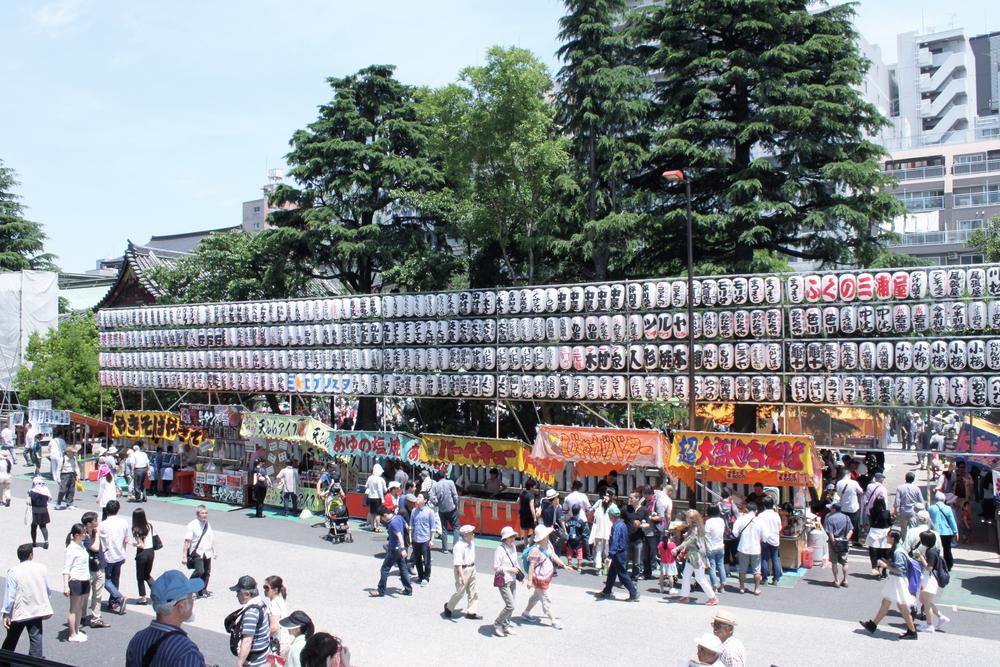 asakusa-matsuri-stalls