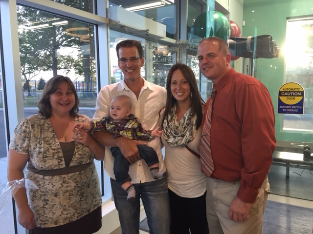 Nancy V, The Bird Family (Dr. Matt, Erika & Baby Carter) and Phil Rowland, WIN RMT.  A great time for togetherness.