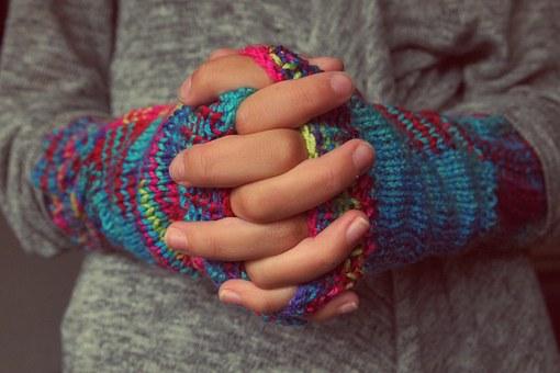 folded-hands-987629__340.jpg