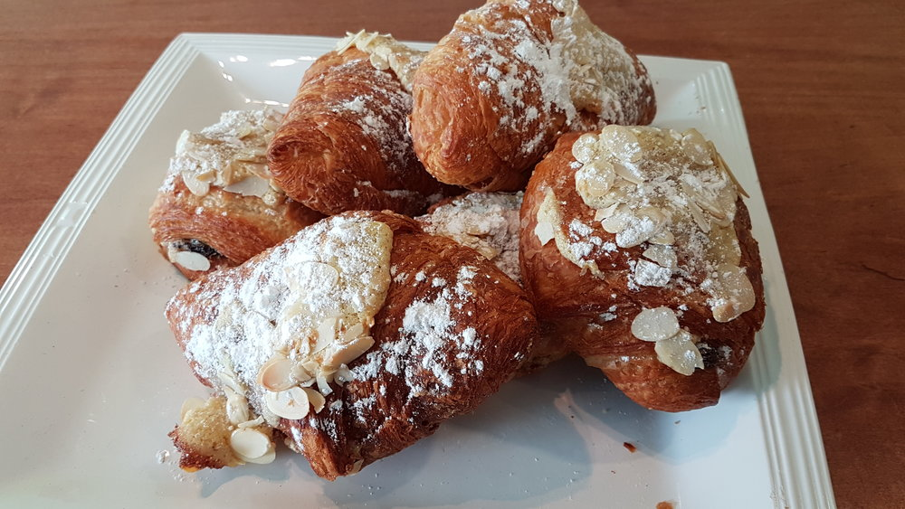 Croissant alm & choc Mar '18.jpg
