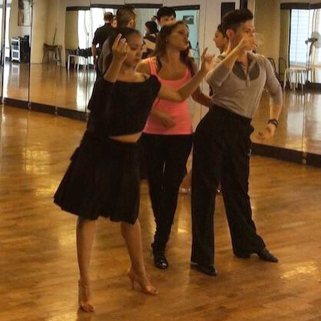 andra-vaidelaite-singapore-dance-teach