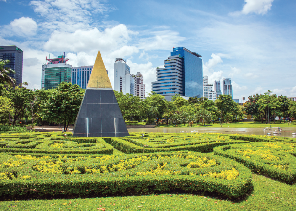 The beautiful Benchasiri / Queen's Park in Bangkok, Thailand