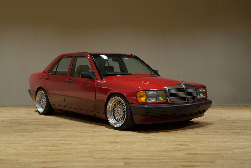 190E_red_45Front.jpg