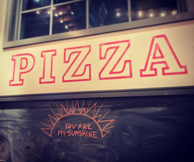 Yes you are Pizza, yes you are 🍕🌞 #wellplayed #pizza #sunshine