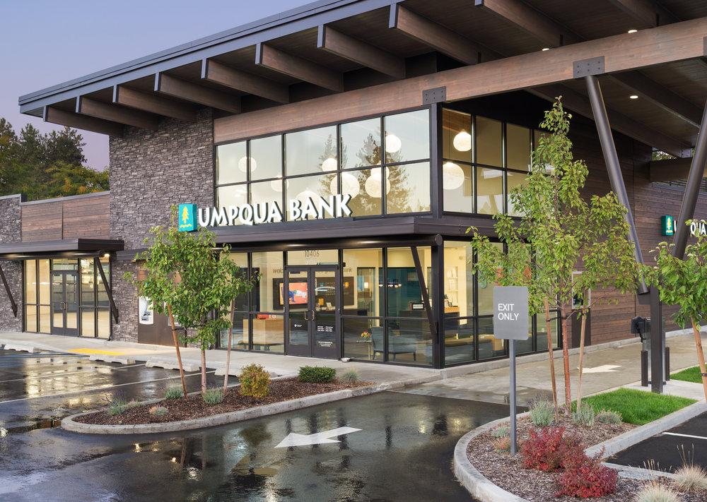 Umpqua Bank-1newcrop2.jpg