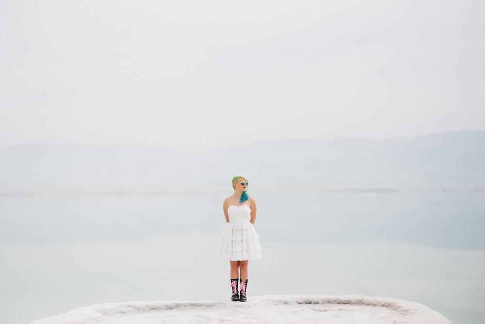 pixie_alternative_bride_wedding_dead_sea_israel_0004.jpg