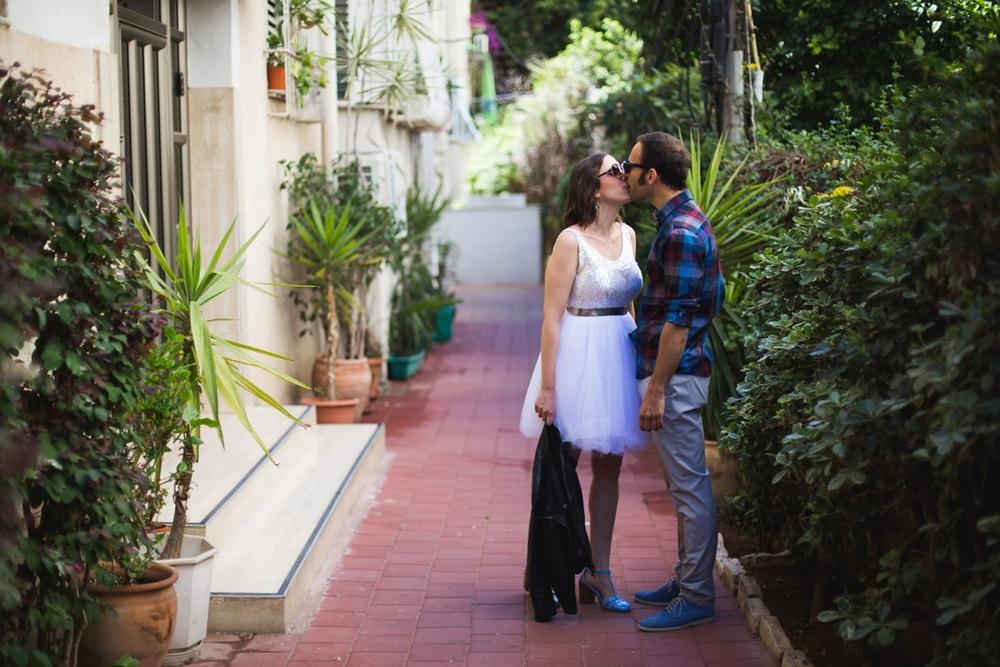 lee_gordo_tel_aviv_beach_wedding_0031.jpg