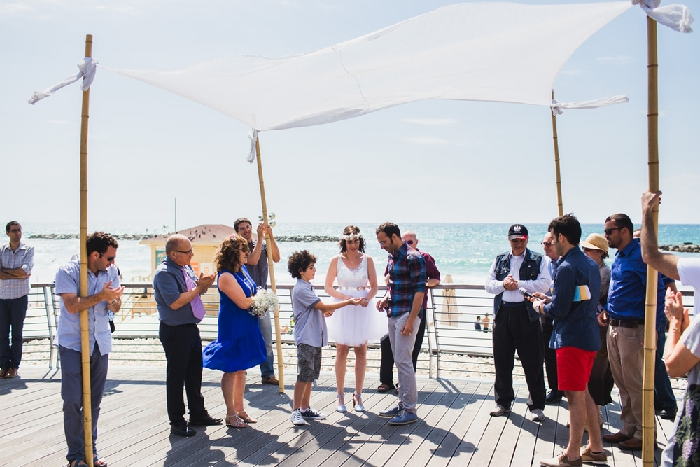 lee_gordo_tel_aviv_beach_wedding_0108.jpg