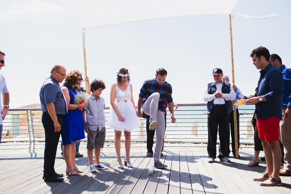 lee_gordo_tel_aviv_beach_wedding_0110.jpg