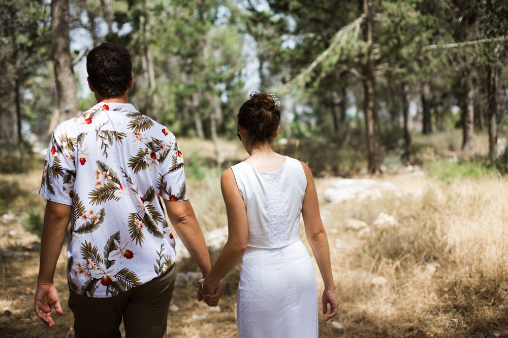 river_running_free_small_wedding_tailor_made_israel_0024.jpg