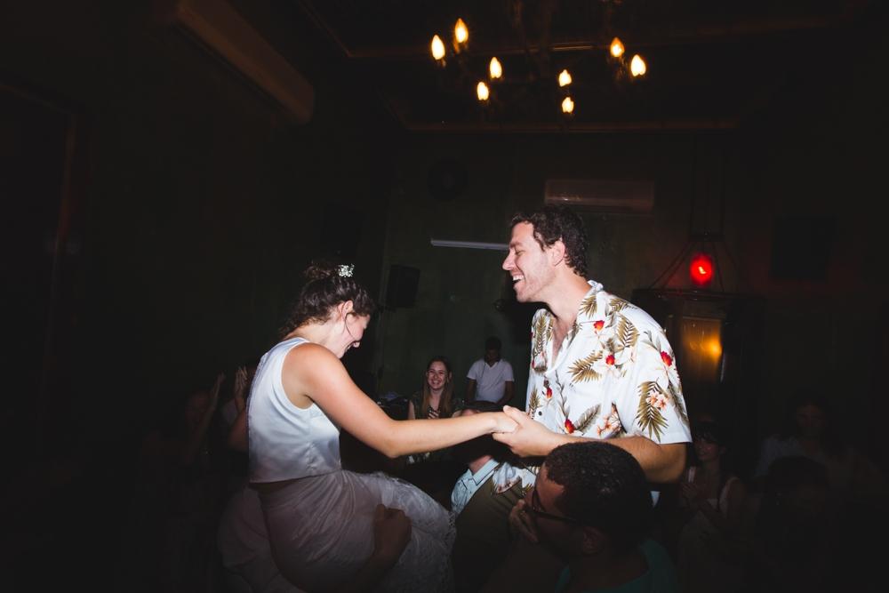 river_running_free_small_wedding_tailor_made_israel_0086.jpg