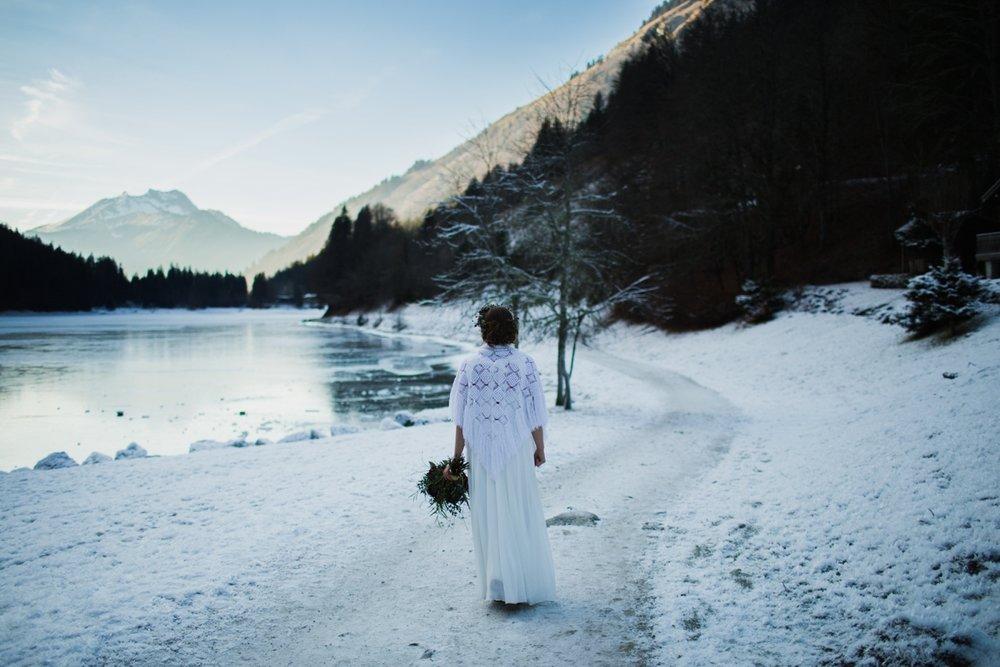 mountain-flare-inspiration-bridal-wedding-snow-morzine_0032.jpg