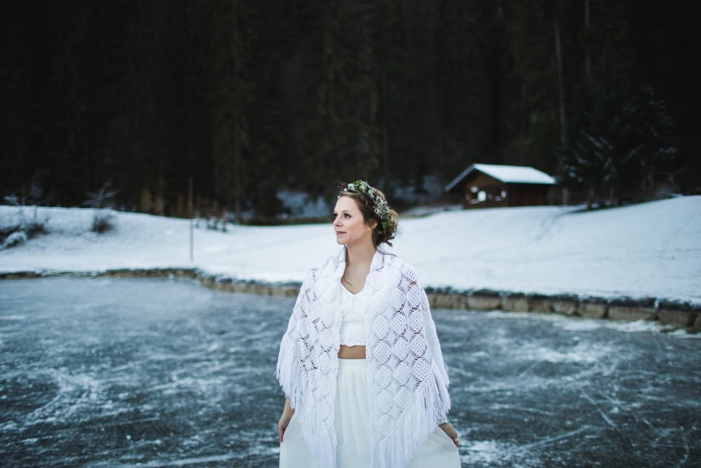 mountain-flare-inspiration-bridal-wedding-snow-morzine_0040.jpg