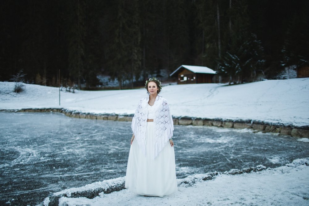 mountain-flare-inspiration-bridal-wedding-snow-morzine_0041.jpg