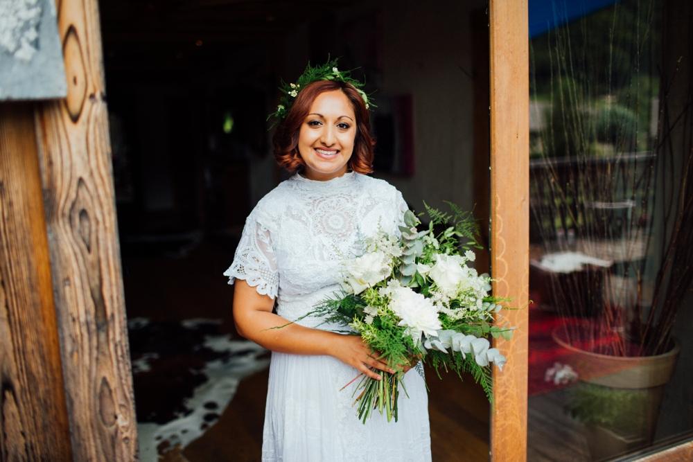 nick-vee-wedding-morzine-ferme-lac-vert-montriond_0031.jpg