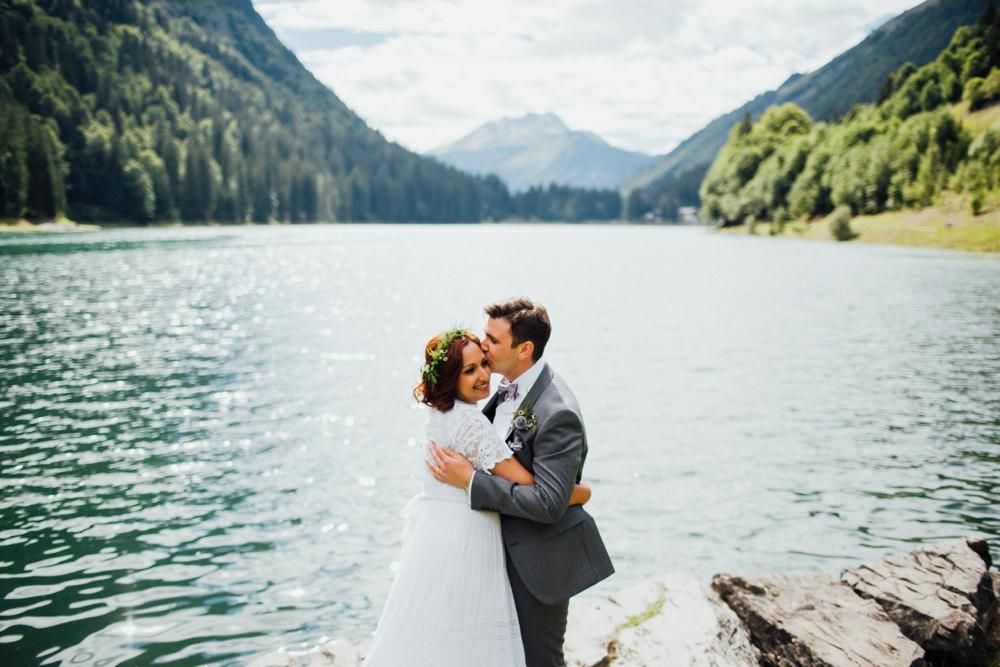 nick-vee-wedding-morzine-ferme-lac-vert-montriond_0100.jpg