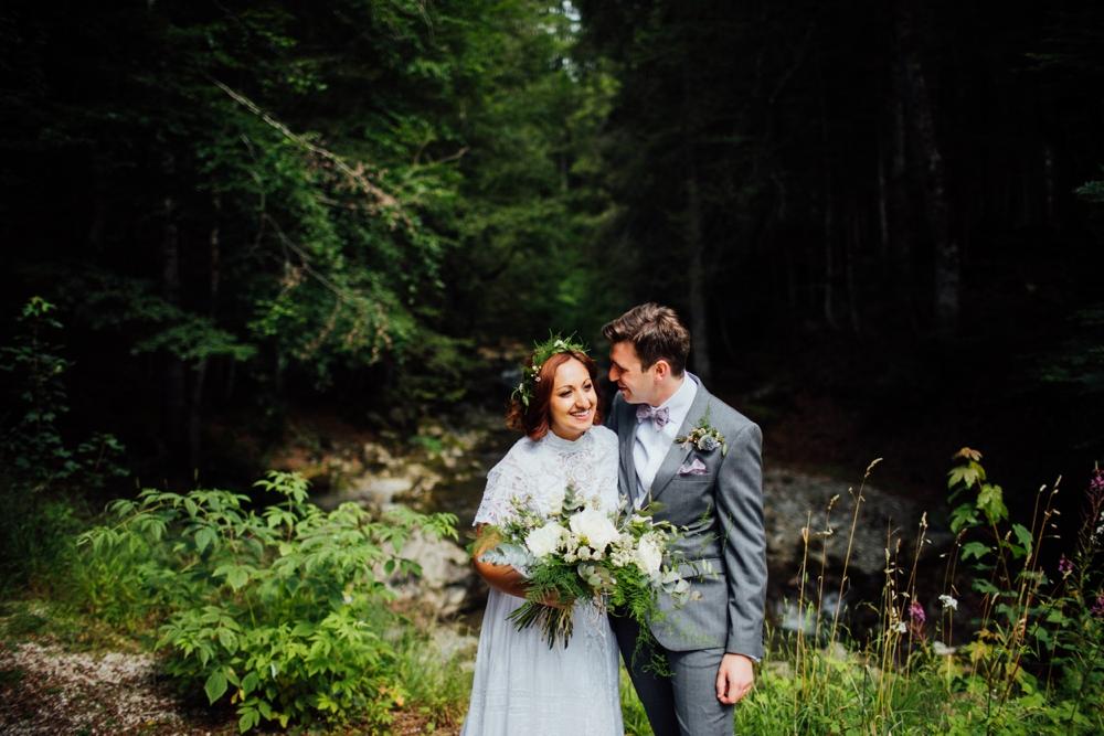 nick-vee-wedding-morzine-ferme-lac-vert-montriond_0103.jpg