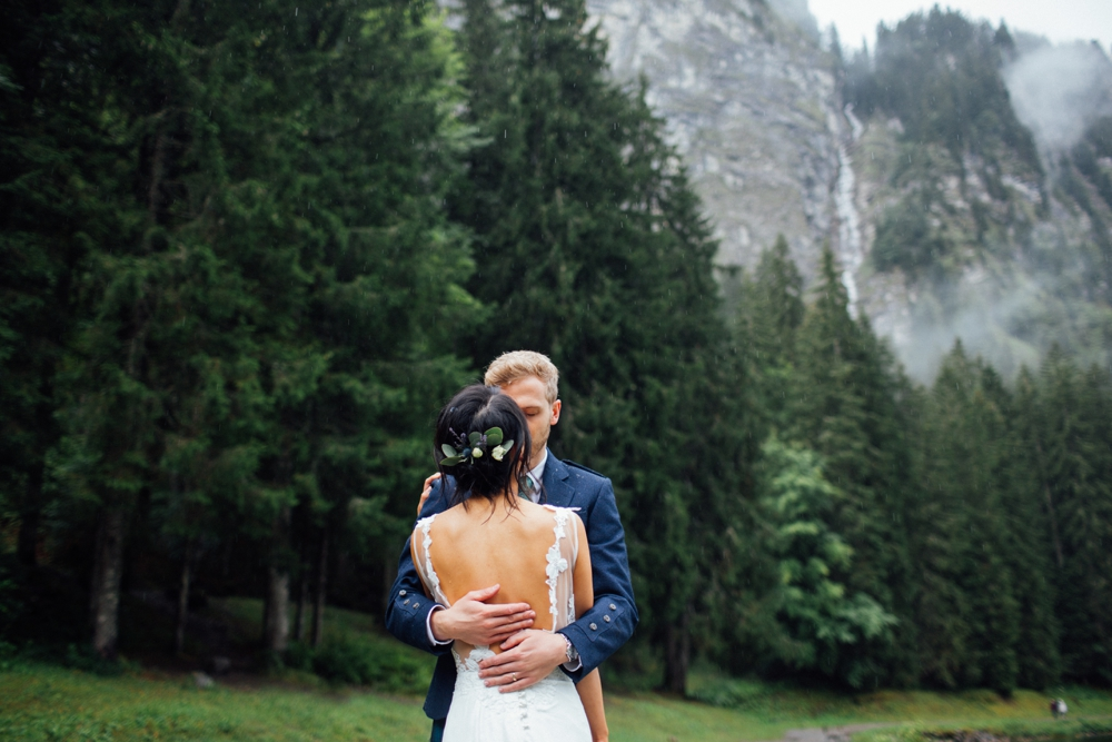 xian-craig-wedding-morzine-ferme-lac-vert-montriond-french-alps_0037.jpg
