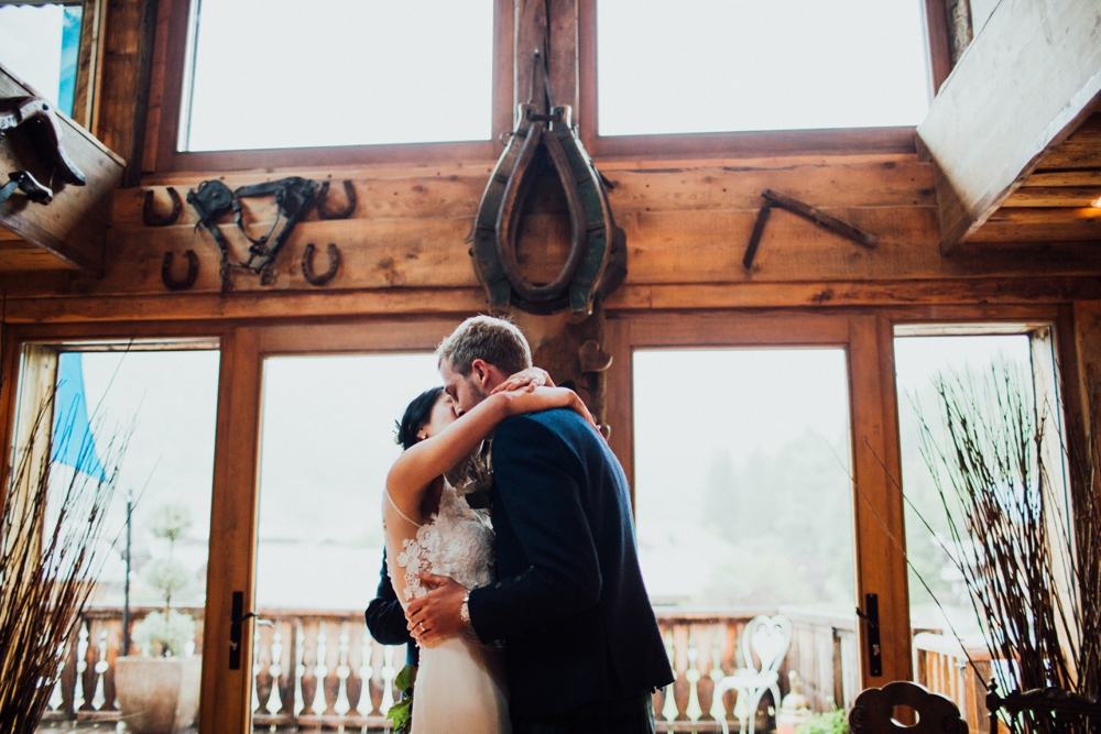xian-craig-wedding-morzine-ferme-lac-vert-montriond-french-alps_0081.jpg
