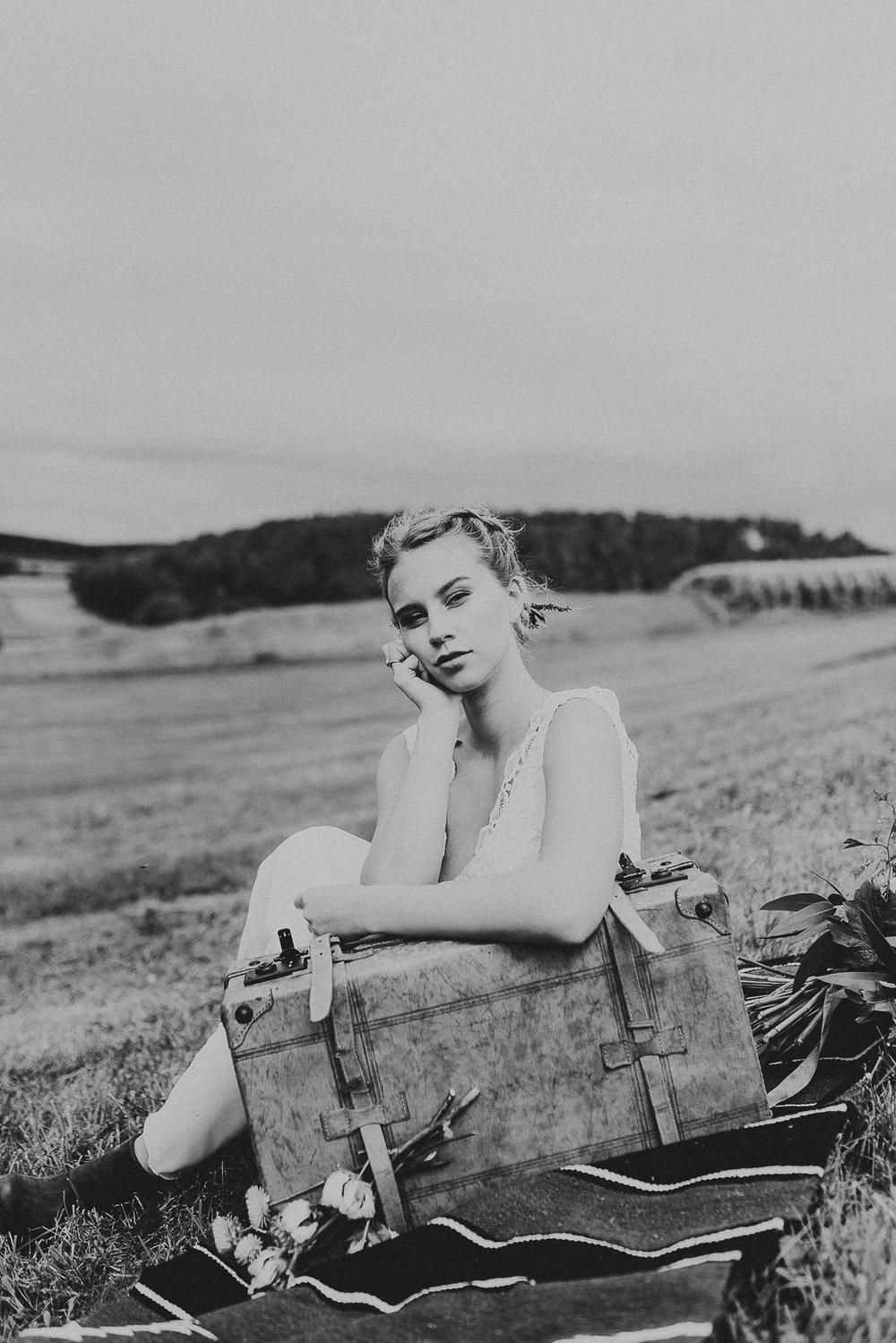 countrybride_editorialshooting_brautmode_hochzeit_braut_köln_cologne_annamarialanger_portrait