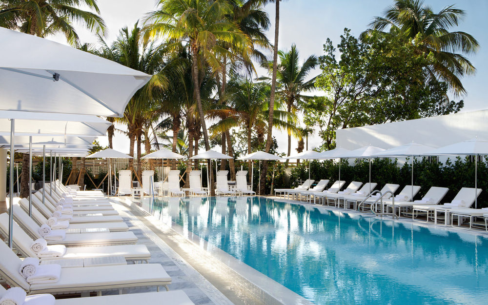 metropolitan_by_como-_miami_beach_-_pool_close_side_viewa.jpg