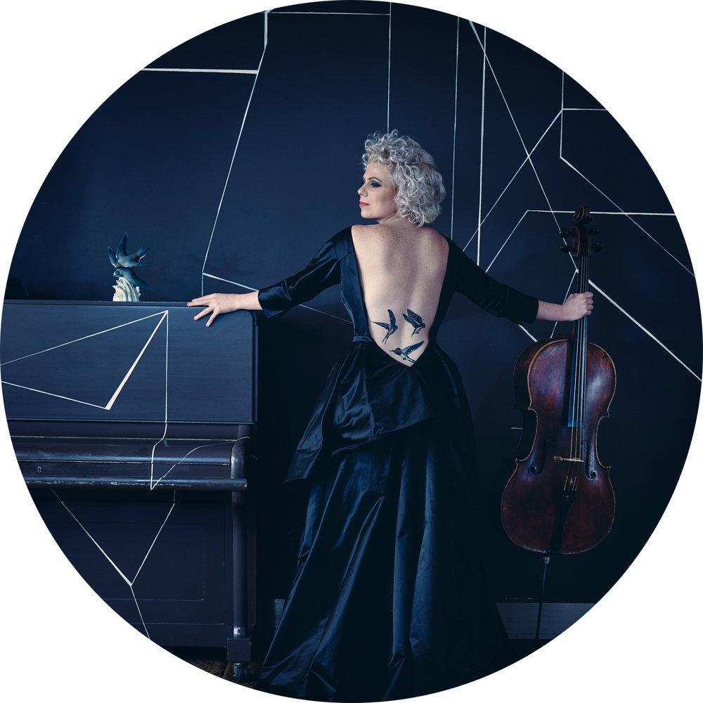 Cellist Garbriella Swallow