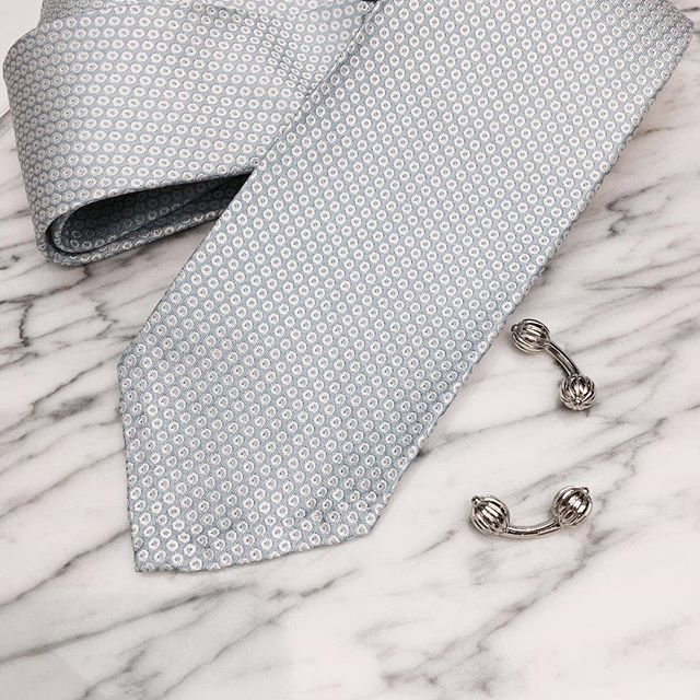 ☁️☁️ Also available in gold and rose gold.  www.gatsbymen.com  #cufflinks #bespoke #pitti #savilerow #style #london #tailor #classicmen #highfashionmen #gatsby #inspiration #outfitoftheday #WTWT #menstyleguide #vogue #gqguys #sprezza #gentleman #natural #mensfashion #raw #menswear #mensweardaily #fresh #menwithstyle #dapper #permanentstyle #weddings #classic
