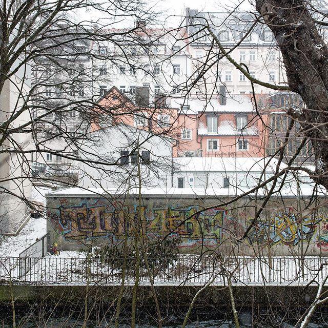 Backs of buildings in the snow.  On a walk between jobs in Munich.  #munich #munich🇩🇪 #munichgermany #munchen_stadt #munchen #germany #deutschland #deutschland🇩🇪 #city #urban #snow #winter #buildings #cityscape #colourphoto #colourphotographer #colourphotography #colourphotos #color #colorphotography #colorphoto