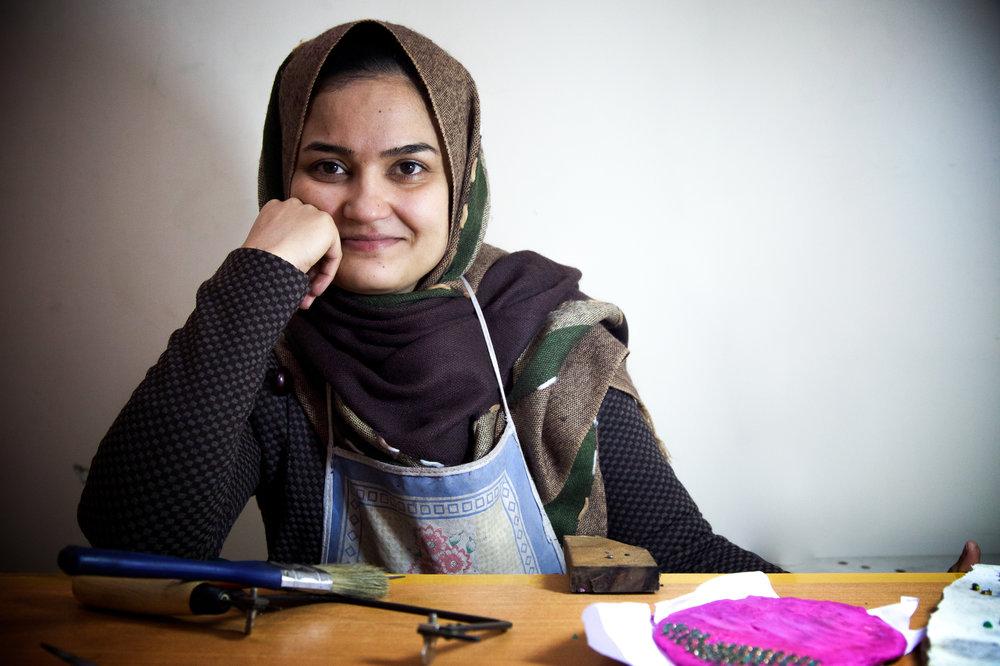Artisan Saeeda, an exceptional artisan from Afghanistan.