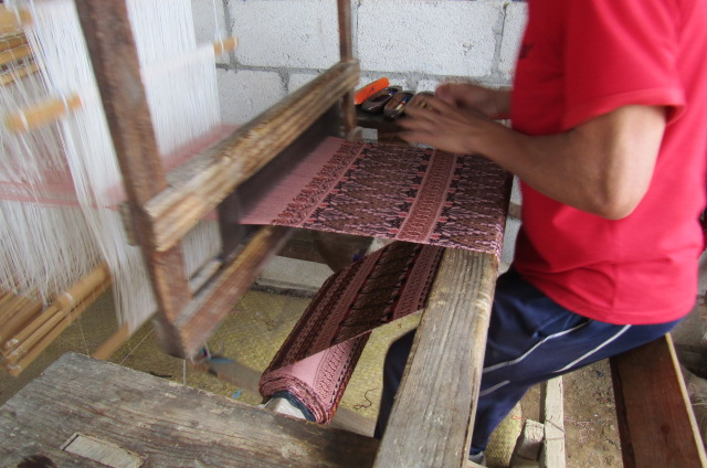 Traditional handlooms with jacquard looms