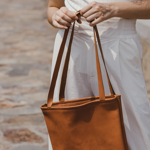 SACH Leather Tote Bag in Tan — Artisan   Fox