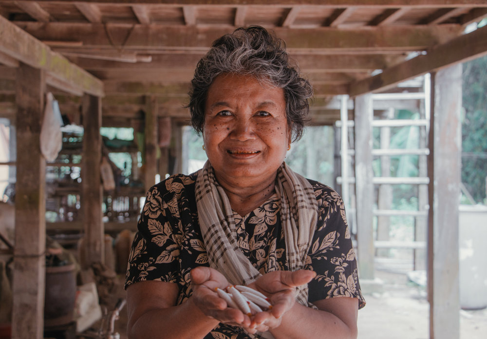 Artisan: Da - A native of the Mekong River, Da came from the Prek Chrey village, where the art of weaving has been passed down generations through generations since the 13th century.