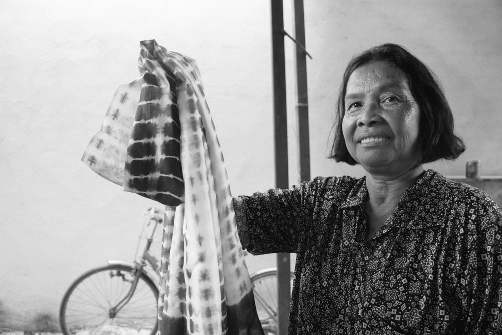Artisan: Vann - Vann is our lead dye artisan, running and leading her family dyeing business of small-batch scarves. She learnt her skills from her hometown in Takoe, before imparting them to other women in Kandal.